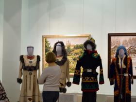 Чукотские и хантыйские костюмы