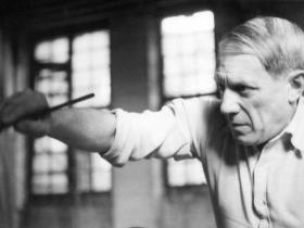 Пабло Пикассо за работой